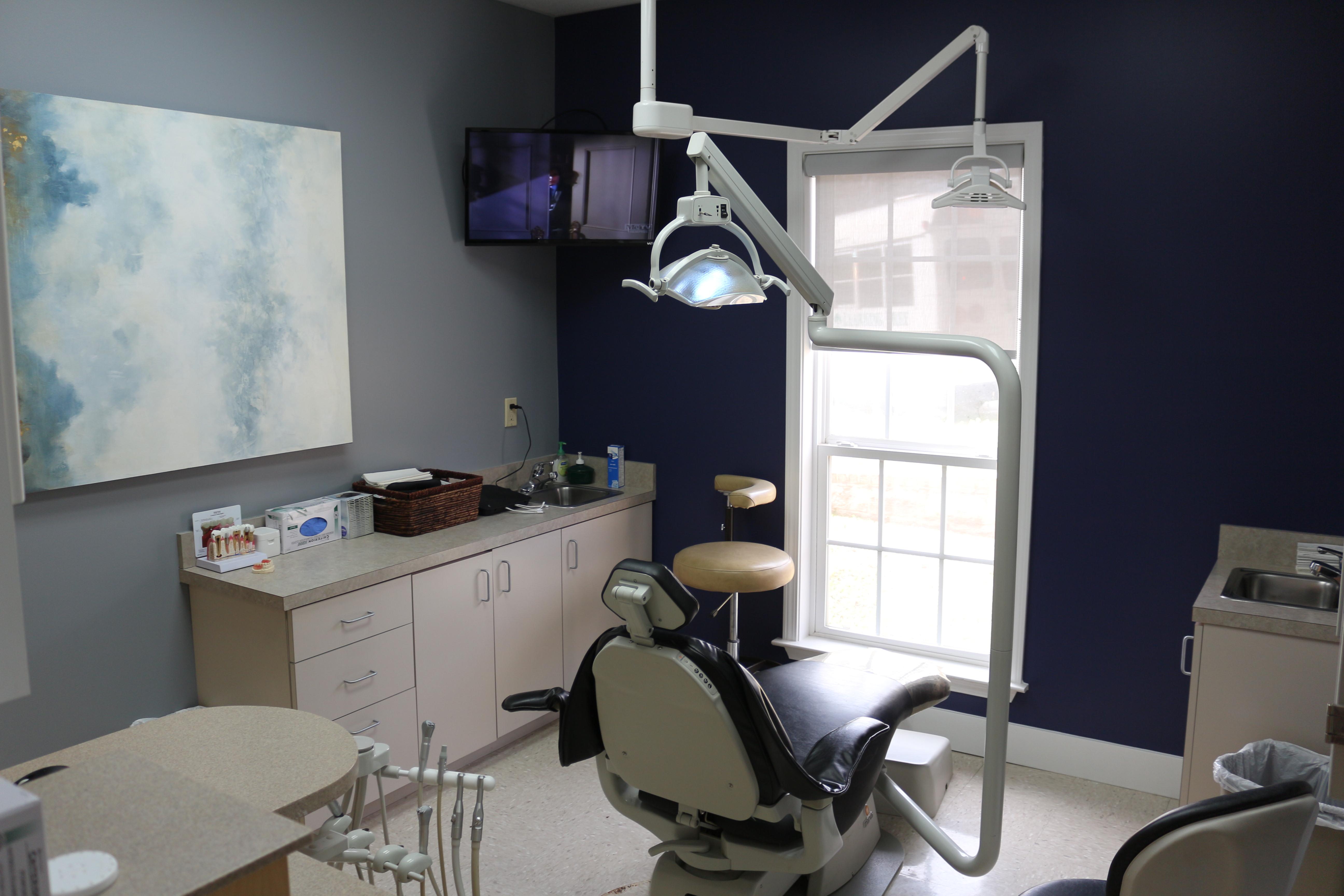 family dental clinic bartlett tn for dentures dental implants